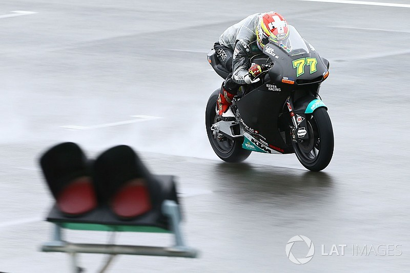 Eerste testdag Moto2 en Moto3 valt volledig in het water