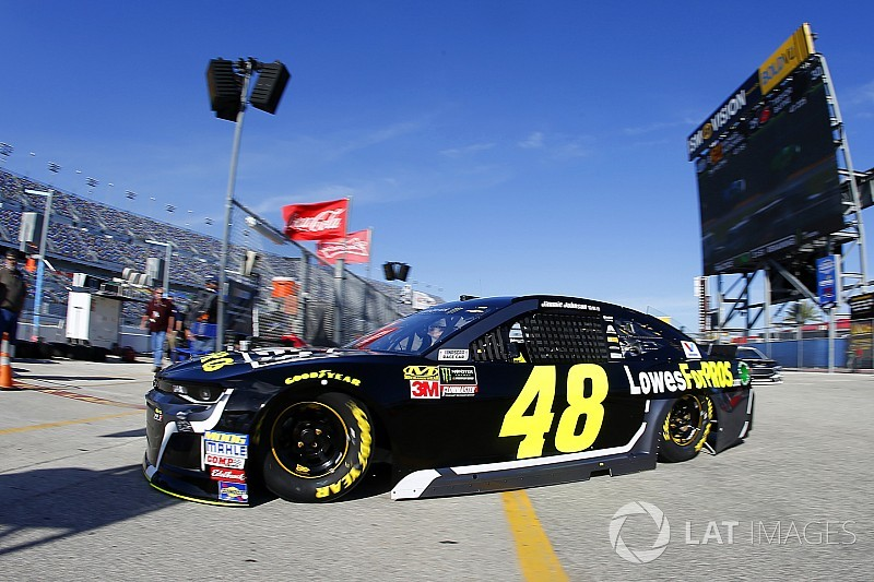 A pesar del amargo 2017, Jimmie Johnson descarta retirarse pronto