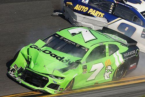 """Danica Patrick """"triste"""" de finir sa carrière en NASCAR sur un crash"""