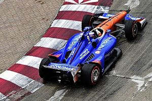 Toronto IndyCar: Dixon leads warm-up, King shunts