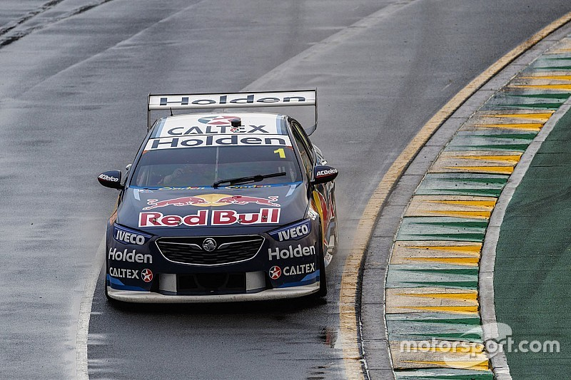 Действующий чемпион Supercars одержал первую в сезоне победу