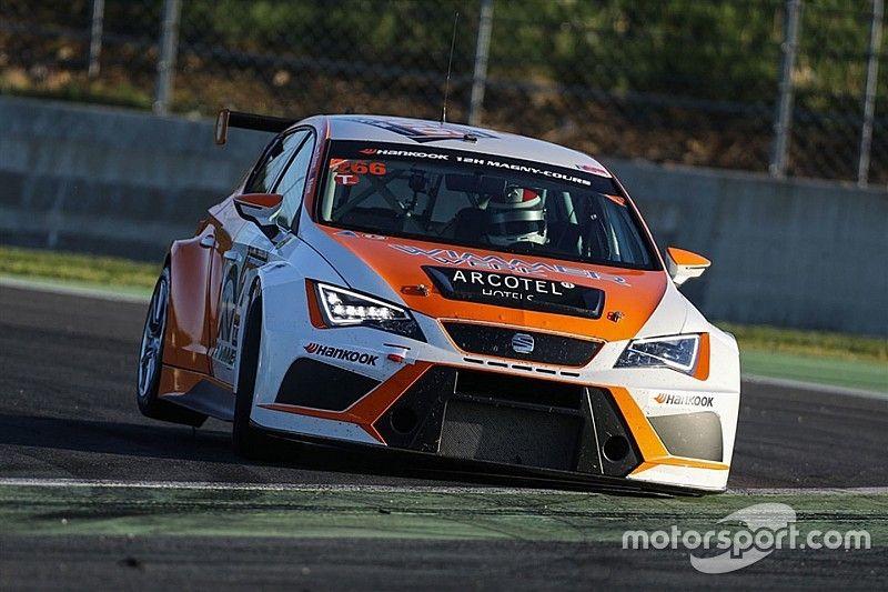 Due SEAT DSG della Wimmer Werk Motorsport pronte per Gross e Benninger