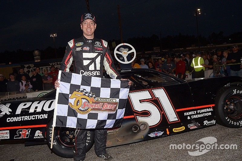Kyle Busch rallies late to win his second Snowball Derby