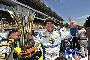 Serra é 3º em Interlagos e conquista título da Stock Car