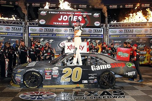 Erik Jones completes Texas sweep in NASCAR Xfinity Series