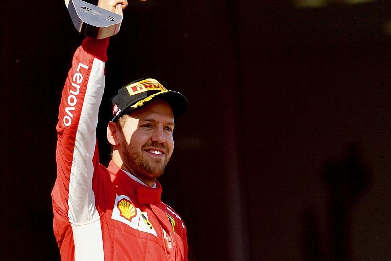 """Vettel reméli, a Ferrari képes lesz """"lefejleszteni"""" a Mercedest"""