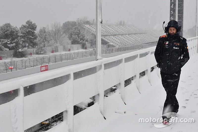 A legendás olasz F1-es pályát is belepte a hó: Monza