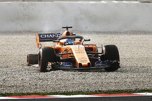 Fernando Alonso y una mala pasada en Barcelona