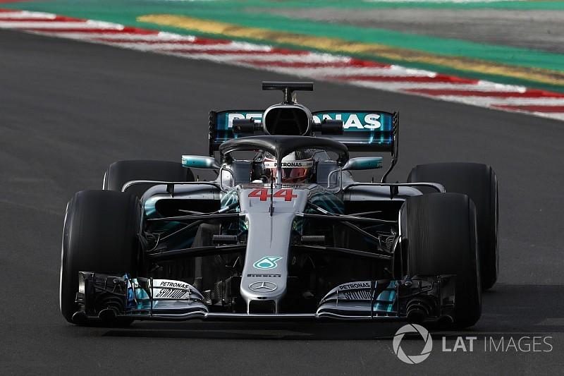 Hamilton rap, Verstappen eindigt vierde testdag in de grindbak
