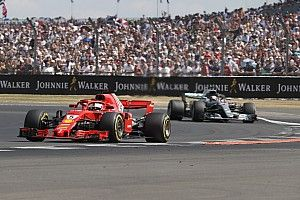 """Vettel n'a """"jamais cru"""" à la supériorité de Ferrari sur Mercedes"""