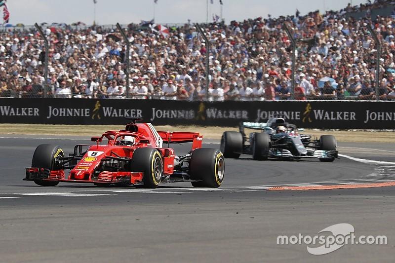 """Accrochages délibérés? Vettel juge """"stupides"""" les accusations de Mercedes"""