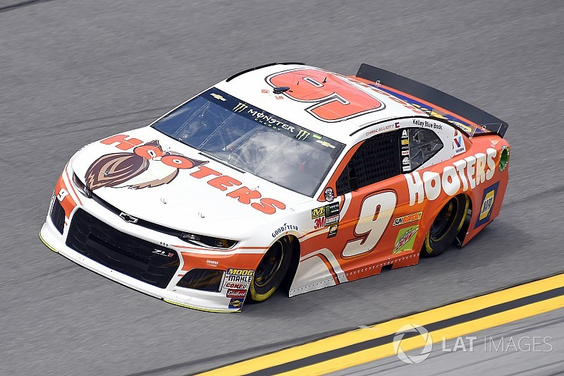 Chase Elliott tops Hendrick teammate Bowman for Daytona pole