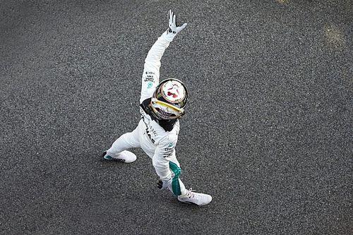 هاميلتون يتغلّب على منافسيه وينطلق أوّلاً في سباق برشلونة