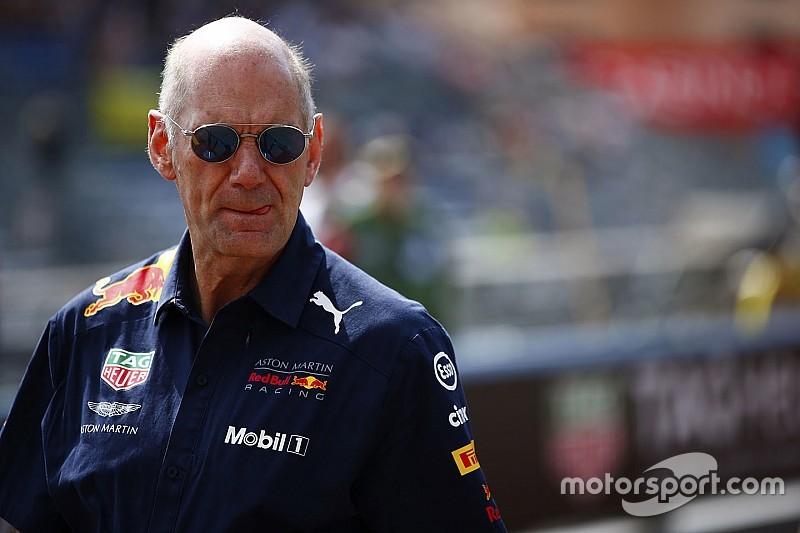 Renault dément vouloir recruter Adrian Newey