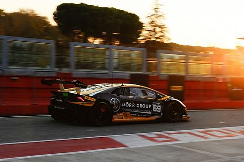 Lamborghini World Final: Wlazik/Scholze win chaotic Am/Cup race
