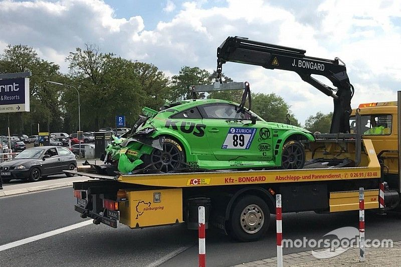 24h Nurburgring, Video: brutto incidente nella Q2 per Speich