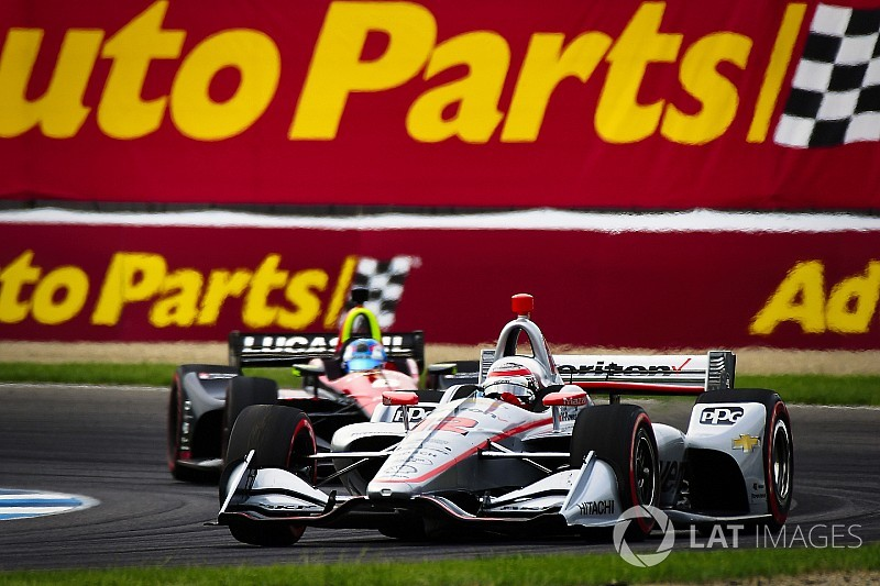 Пауэр выиграл гонку IndyCar в Индианаполисе