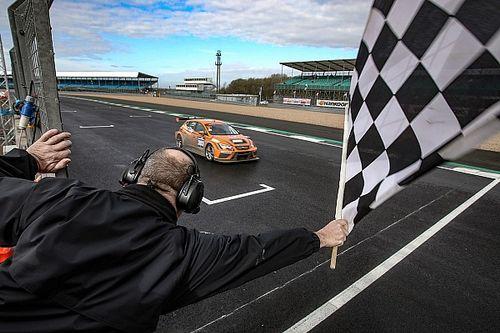 24H TCE Series: la Red Camel-Jordans.nl guida la tripletta SEAT a Silverstone