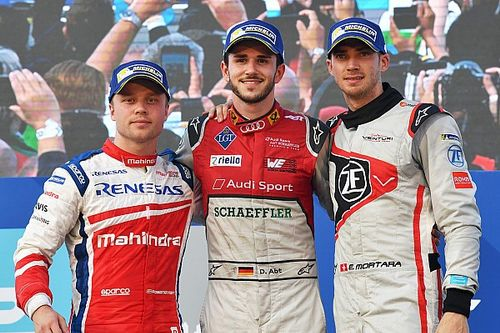 Hong Kong ePrix: Abt triumphs after late Mortara spin