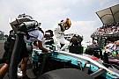 Hamilton elárulta, miért nem nevezi el a versenyautóit