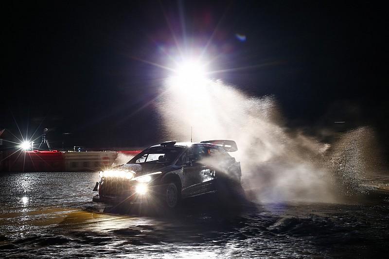 WRC Wales: Nebel wirbelt Klassement durcheinander