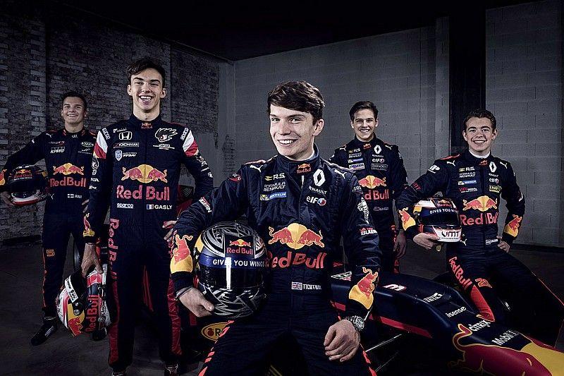 Marko: nenhum jovem da Red Bull chega perto de Verstappen