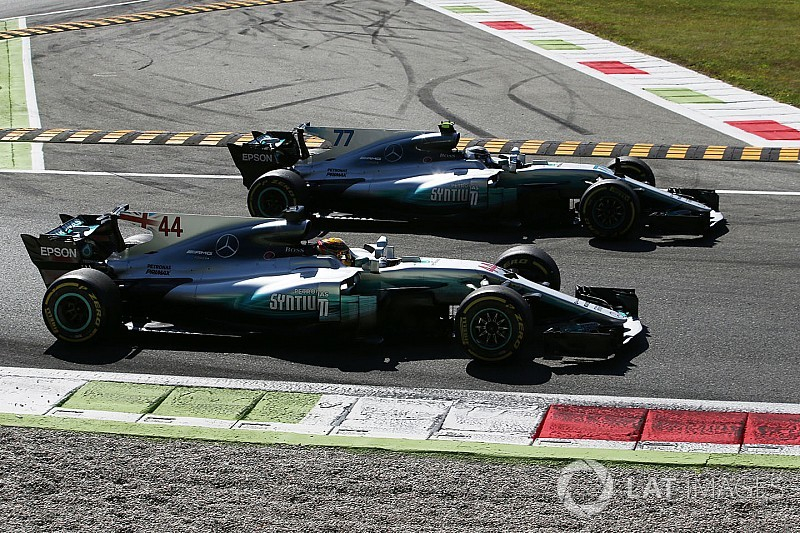 У Mercedes розуміють: у Сінгапурі буде складніше, ніж у Монці