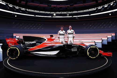 "Brown: ""La nuova livrea McLaren è bellissima ed elegante"""