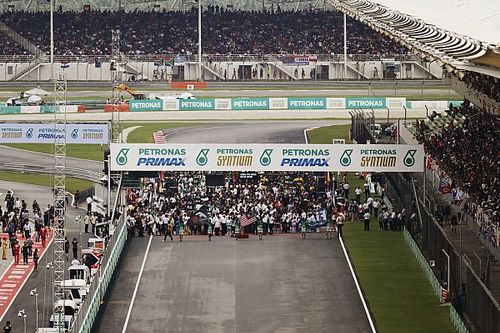 Force India уличила соперников в нарушениях перед стартом