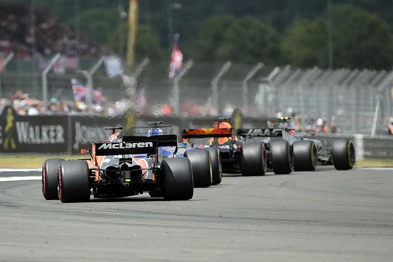 """Vettel: """"DRS in bochten zorgt voor nog grotere verschillen"""""""