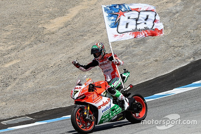 Laguna Seca WSBK: Davies beats the Kawasakis for comeback win
