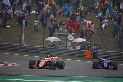 Video: Sainz'ın Alonso'yu geçişi