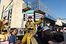 VIDEO: Rubens Barrichello llora de emoción al ver manejar a su hijo