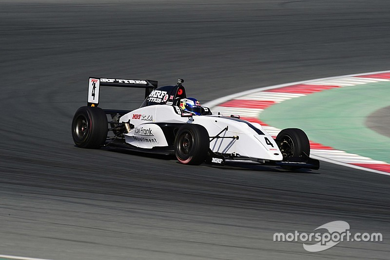 Dubai MRF Challenge: Newey dominates Thursday practice