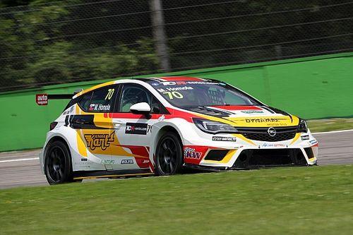 Mat'o Homola piazza la Opel in pole position al Salzburgring