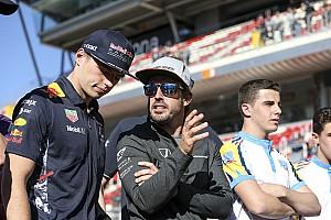 Алонсо назвал Ферстаппена лучшим гонщиком современной Ф1