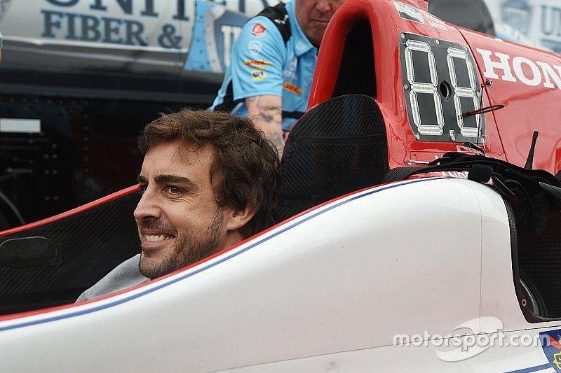 Galeri: Alonso'nun IndyCar'daki ilk günü