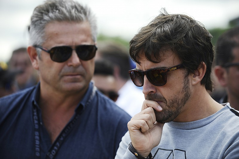 Де Ферран стал восьмым боссом Алонсо. Предыдущие семь уже не работают в Ф1
