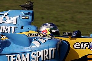 Старший и младший: два Карлоса Сайнса за рулем Renault F1