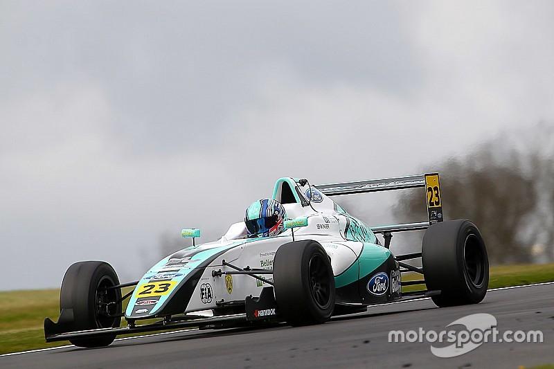 FIA abre investigação de acidente na F4 inglesa