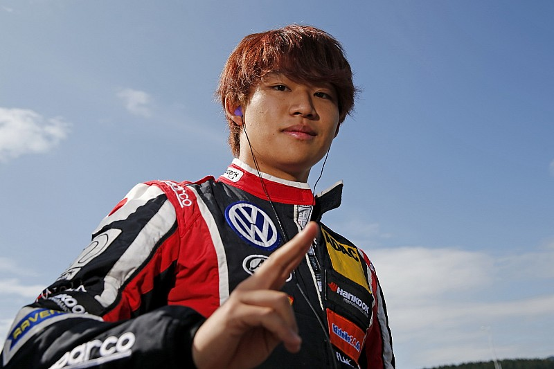佐藤万璃音、モトパークに残留決定。F3欧州2年目のシーズンへ