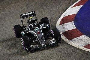 Singapore GP: Rosberg beats lizard-dodging Verstappen in FP3