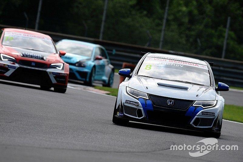 Grachev trionfa a sorpresa in Gara 1 al Salzburgring