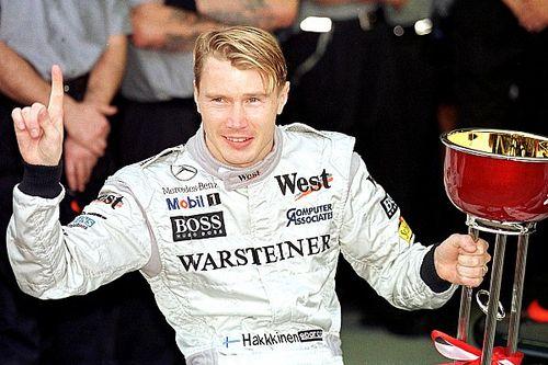 A nap, amikor Häkkinen történelmet írt a McLarennel Schumacher ellen: 20 éve lett bajnok a finn legenda