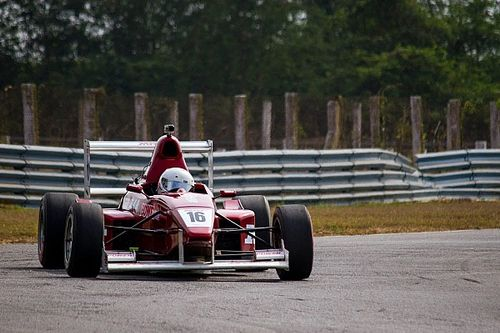 Chennai II MRF F1600: Tharani wins opening race with ease