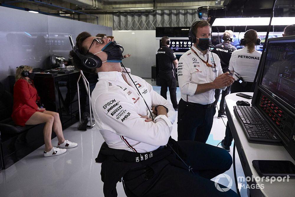 Вольф объяснил скорость McLaren в начале гонки