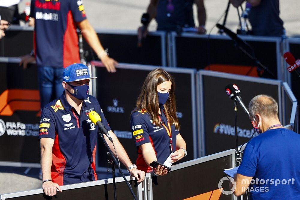 "Verstappen: ""Mercedes'i saf hızda yenemeyiz"""