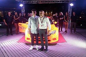 """Kevin Giacon, orgoglio tricolore: """"Con la Fiat Tipo TCR vogliamo portare l'Italia in alto nel mondo!"""""""