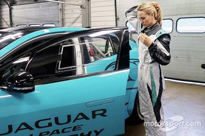 Carmen Jordá prueba el Jaguar I-Pace eTrophy