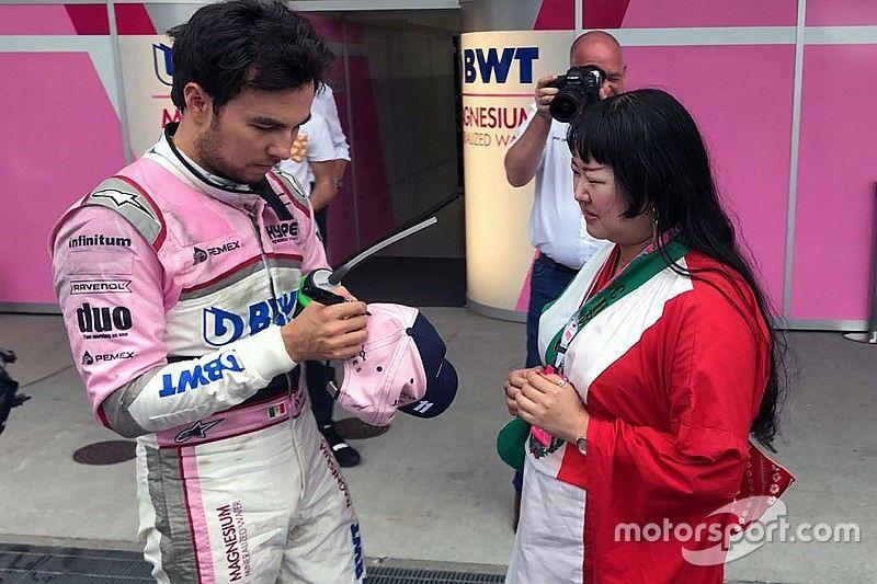 Checo Pérez tiene una gran aficionada en Japón